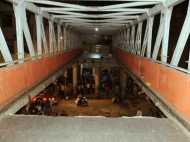 मुंबई ब्रिज हादसा: जानिए कैसे 26/11 आतंकी हमले और कसाब से जुड़े हैं इस फुटओवर ब्रिज के तार