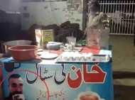 पाकिस्तानी चायवाले ने लगाई विंग कमांडर अभिनंदन की फोटो, लिखा- ऐसी चाय जो दुश्मन को भी दोस्त बना दे