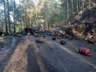 288 गैस सिलेंडरों से भरे ट्रक में लगी आग, विस्फोट से दहला इलाका