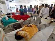 मैनपुरी बस हादसा: अचानक घायलों से मिलने पहुंचे अखिलेश यादव, जाना हालचाल