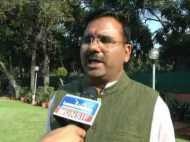 न्यूज चैनल के डिबेट पर हुआ कुछ ऐसा कि कांग्रेस प्रवक्ता ने बीजेपी नेता पर पानी भरा ग्लास फेंक दिया, देखें VIDEO