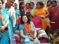 लोकसभा चुनाव 2019: 'विजयी भव' के आशीर्वाद के लिए पत्नियों ने संभाला प्रचार का मोर्चा