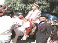 गुजरात: दलित की घुड़चढ़ी रोकने आईं 16 महिलाओं समेत 45 पर FIR, पुलिस के रहते भी टालनी पड़ी शादी