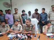 एक किलो सोना लूटने वाले चार गिरफ्तार, 400 ग्राम सोना और 30 लाख रुपये बरामद