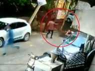 दिल्ली: बीच सड़क युवक को गोलियों से भूना, गैंगवार का Live Video