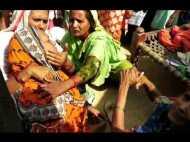 3 बेटियां पैदा होने पर मां ने दी जान, शव के पास बिखलती रही 2 माह की गुड़िया