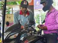 मोटरसाइकिल वालों के लिए इस शहर में आज से पेट्रोल भरवाने के लिए लागू हुआ ये कड़ा नियम