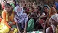 फर्रुखाबाद: तीन दिन से घर में रखे हुए हैं बेटे का शव, बेहद चौंकाने वाली है वजह