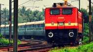 ISI के लिए जासूसी के आरोप में रेलवे कर्मचारी गिरफ्तार, मोबाइल में मिले कई संदिग्ध वीडियो-फोटोज
