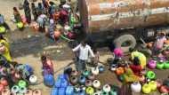 जल संकट से जूझ रहे बुंदेलखंड में दलितों का दर्द, उच्च जाति के लोग छूने तक नहीं देते हैंडपंप