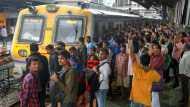 मंदी की आहट के बीच मोदी सरकार का बड़ा फैसला, रेल टिकट की कीमत में बड़ी बढ़ोतरी