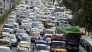 अगस्त में कारों की बिक्री में 41.09 फीसदी की गिरावट, 21 साल बाद दिखी इतनी बड़ी गिरावट