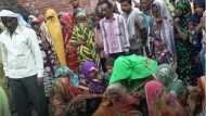 सीतापुर: बारिश से कच्ची दीवार गिरी, मलबे में दबकर पिता-पुत्र की दर्दनाक मौत