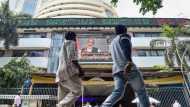 भारतीय पूंजी बाजारों को अप्रैल में भी झटका, FPI ने 15,403 करोड़ रुपये निकाले