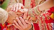 शादी के तीन साल बाद पति ने पत्नी की प्रेमी से कराई शादी, बोला- जी लो अपनी जिंदगी