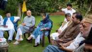जम्मू-कश्मीर: विशेष दर्जे की बहाली के लिए एकजुट हुए सभी राजनीतिक दल, संघर्ष का लिया संकल्प