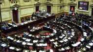 Live चल रही थी संसद की कार्यवाही, तभी पार्टनर के निजी अंग पर किस करने लगा सांसद