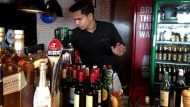 दिल्ली के रेस्टोरेंट और क्लब में आज से मिलेगी शराब, एंट्री से पहले जान लें ये नियम