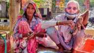 Viral Video: 70 साल के बाबा-अम्मा चाय बेचने को मजबूर, बेटे ने घर से निकाला और हाथ भी तोड़ दिया