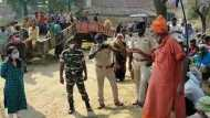 कैमूर: पक्की सड़क और पानी की मांग को लेकर मोहनिया में लोगों ने किया मतदान का बहिष्कार, दो घंटे में पड़े महज दो वोट