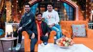 The Kapil Sharma Show: बेटे के सामने शत्रुध्न सिन्हा ने किया अपने 'Luv' का जिक्र, देखें  Video