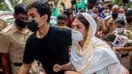 रिया और शोविक चक्रवर्ती को राहत नहीं, मुंबई की अदालत ने फिर बढ़ाई न्यायिक रिमांड