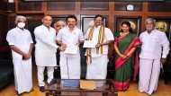 ओपिनियन पोल: तमिलनाडु में होगा सत्ता परिवर्तन, कांग्रेस-डीएमके गठबंधन की बन सकती है सरकार