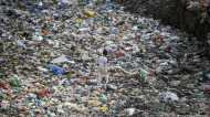 भारत में सिंगल यूज प्लास्टिक बैन: महंगाई और बेरोजगारी के बदले पर्यावरण