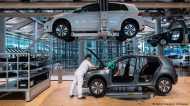 इलेक्ट्रिक कार क्रांति, लेकिन हजारों नौकरियां खतरे में