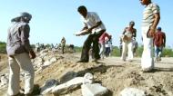 गुजरात: नमक बनाने वाले गांव ने अपने दम पर बचा ली पूरी झील