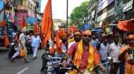 बंगाल में त्योहारों पर गहराता सियासत का रंग