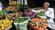 'मोदी सरकार की इस चूक से लगा अर्थव्यवस्था पर ब्रेक': नज़रिया