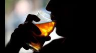 कोरोना वायरसः लॉकडाउन के दौरान शराब की लत कैसे छोड़ें?