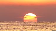 सूरज हमें कई बार लाल क्यों दिखाई देता है