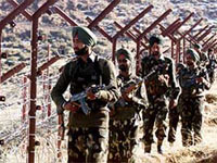 Indian Army patrolling on Indo-Pak border