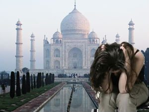 Uttar Pradesh Rape Korean Woman Taj Mahal Cisf Aid0163