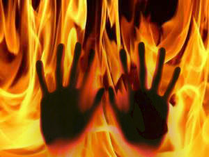 Uttar Pradesh Three Girls Killed Fire Incident Gazipur Aid0146