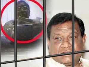 Image result for BJP के पूर्व अध्यक्ष बंगारू लक्ष्मणकी गिरफ्तारी