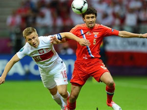 Poland Hold Russia Stay Euro Hunt Euro Cup