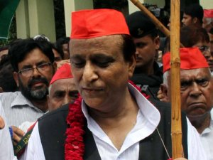 Uttar Pradesh Azam Khan Says Congress Need Dumb President