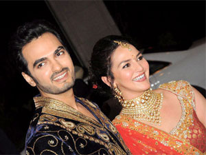 Bollywood Stars Attending Esha Marriage