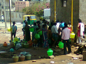 Water crisis- situation grim in Bangalore, Mumbai
