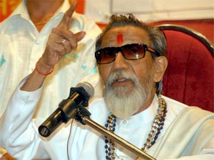Team Anna S Agenda Was To Abuse Politicians Thackeray