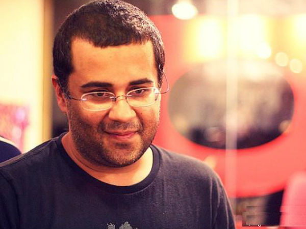 Arvind Kejriwal's AAP is the item girl of politics: Chetan Bhagat