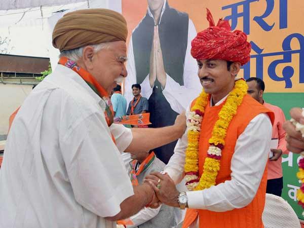 लोकसभा चुनावों पर निशाना लगाने  को तैयार राज्यवर्द्धन सिंह राठौर