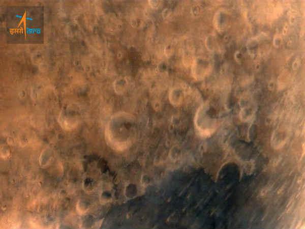 मंगल से मंगलयान ने भेजी भारत के लिए पहली तस्वीर