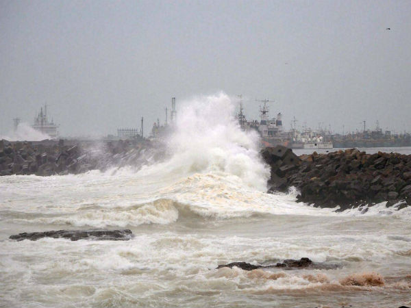Typhoon Noru kills two, draws near Japan
