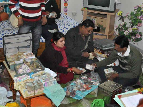 income tax raid in home
