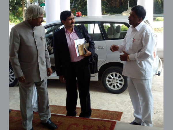 Dr-kalam-in-conversation-with-nadeshwar-acharaya