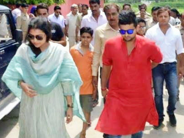 Cricketer Suresh Raina Arrived With His Wife And The Whole ...